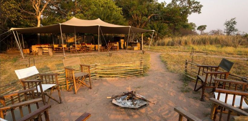 Feuerstelle Busanga Bush Camp, Sambia Safari