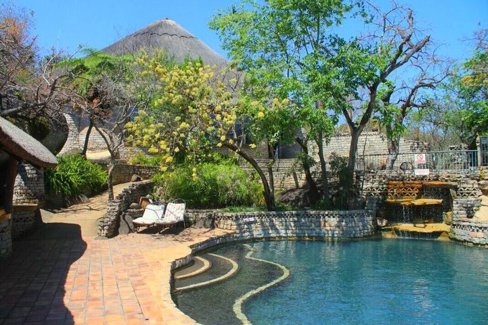 Poolbereich, Lodge at the Ancient City, Simbabwe Reise