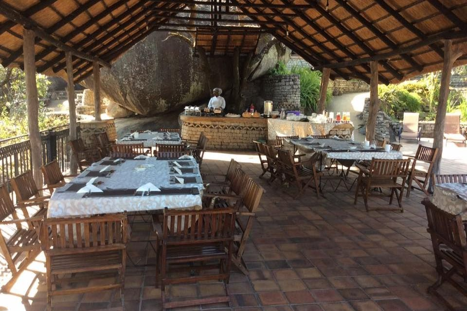 Restaurant, Lodge at the Ancient City, Simbabwe Reise