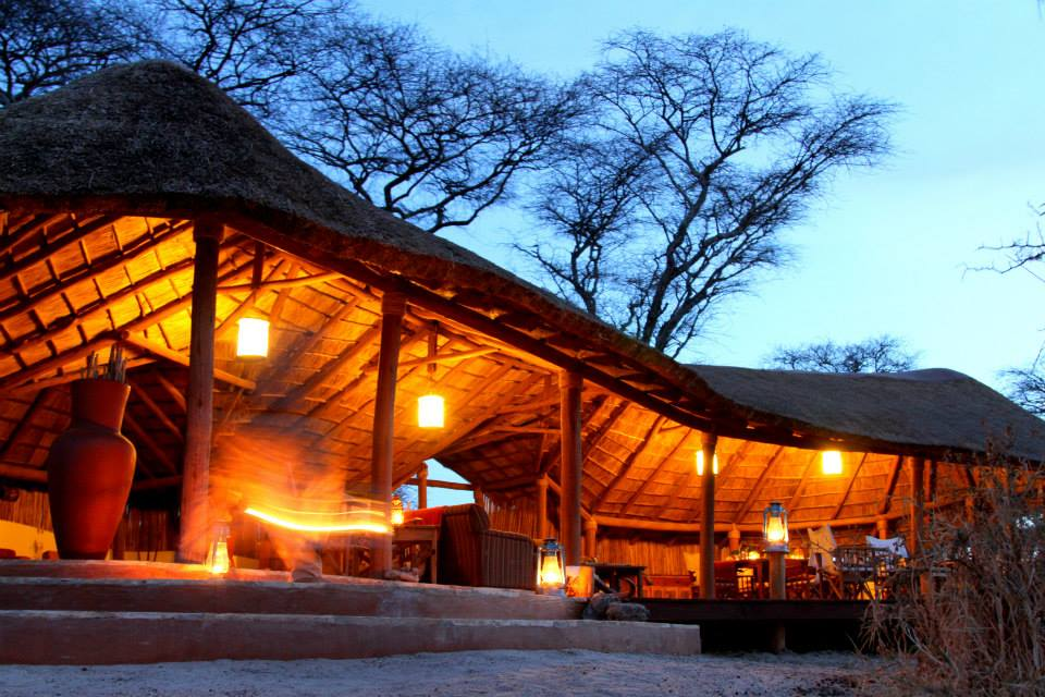 Camp bei Nacht, Little Oliver's Camp, Tarangire Nationalpark, Tansania Reise