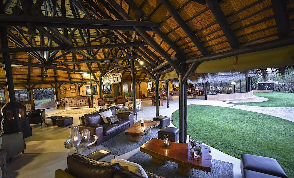 Lounge, Okonjima Luxury Bush Camp, Namibia Privatreise
