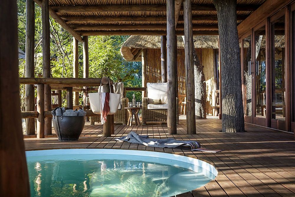 Poolbereich, Sanctuary Chief's Camp, Rundreise Botswana