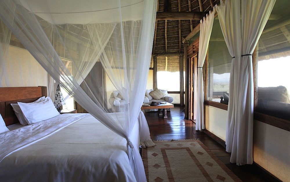 Individualreise Uganda, Schlafzimmer mit Ausblick, Apoka Safari Lodge, Kidepo Valley Nationalpark, Uganda