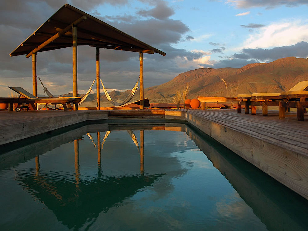 Poolbereich Wolwedans Dunes Lodge, Namibia Privatreise