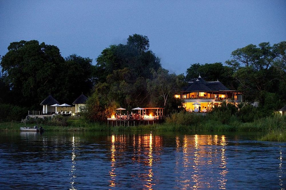 Livingstone, Abendstimmung Sanctuary Sussi and Chuma, Sambia Rundreise