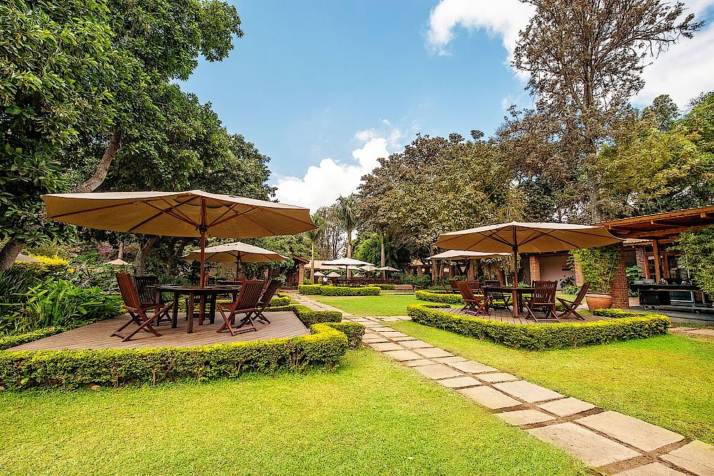 Rundreise Tansania, Gartenanlage, The Arusha Coffee Lodge, Tansania Safari