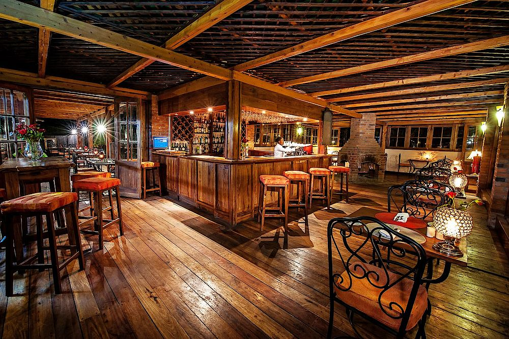 Rundreise Tansania, Bar, The Arusha Coffee Lodge, Tansania Luxusreise