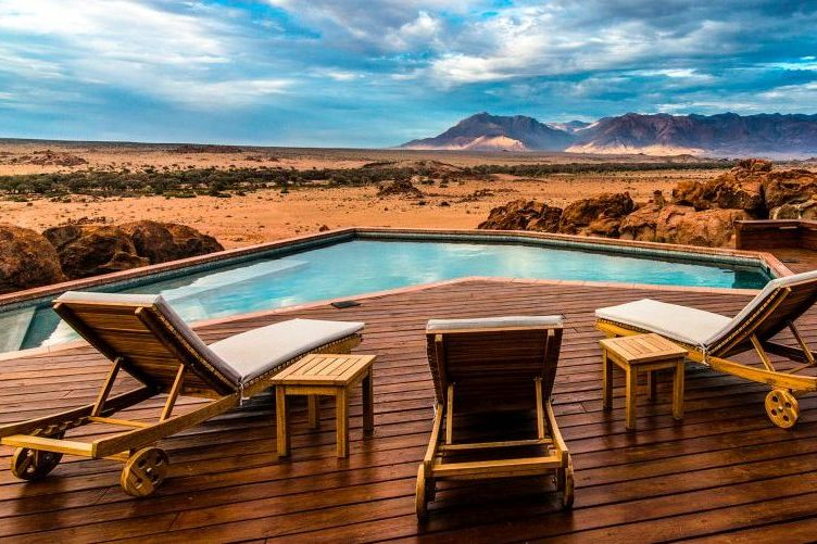Pool der Sorris Sorris Lodge, Namibia Rundreise