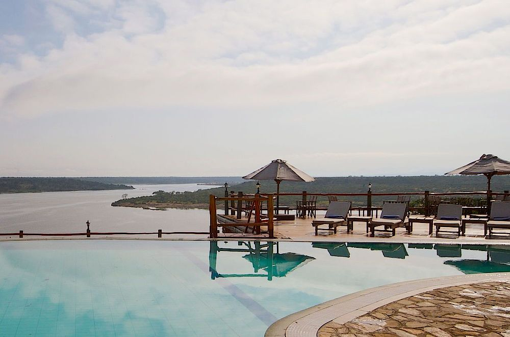 Rundreise Uganda, Poolanlage, Mweya Safari Lodge, Queen Elizabeth National Park, Uganda